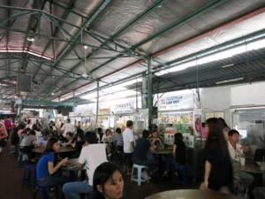 Ein großer Streetfood-Markt in Penang.