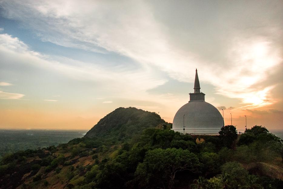 mihintale stupa sonnenuntergang