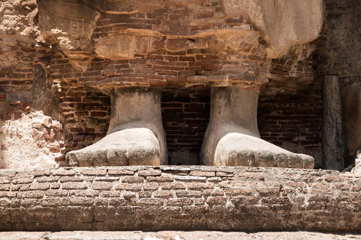 buddha sigiriya sri lanka polonnaruwa