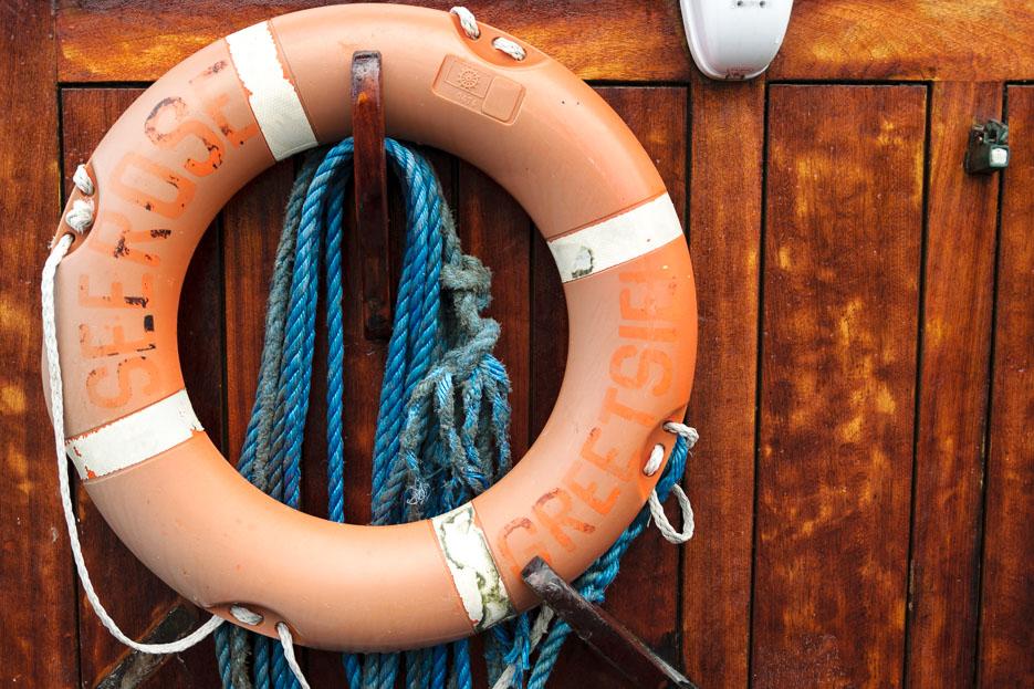 buesum rettungsreifen schiffe hafen nordsee
