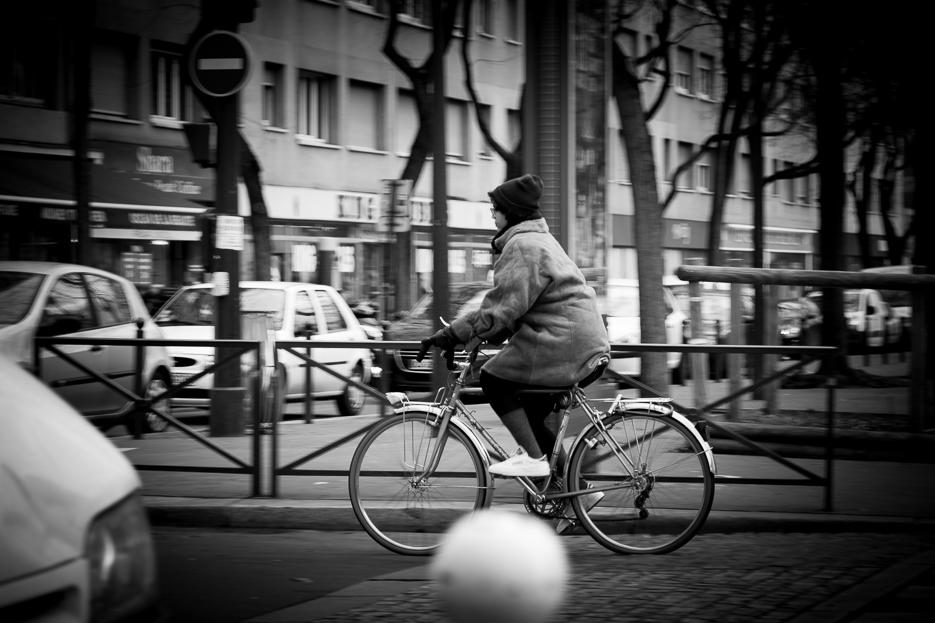 fahrrad schwarz weiß street photography paris