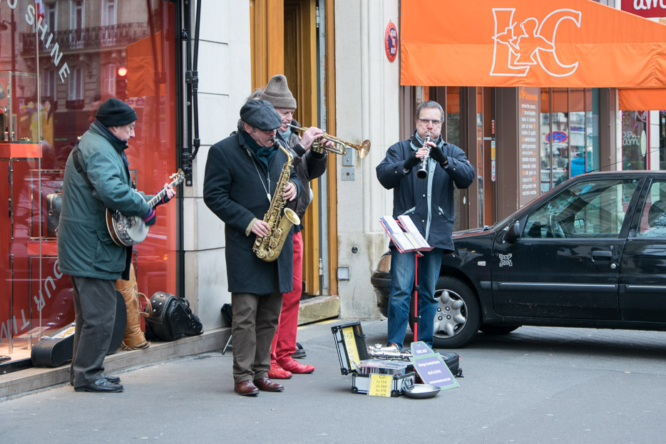 Straßenmusikanten in Paris