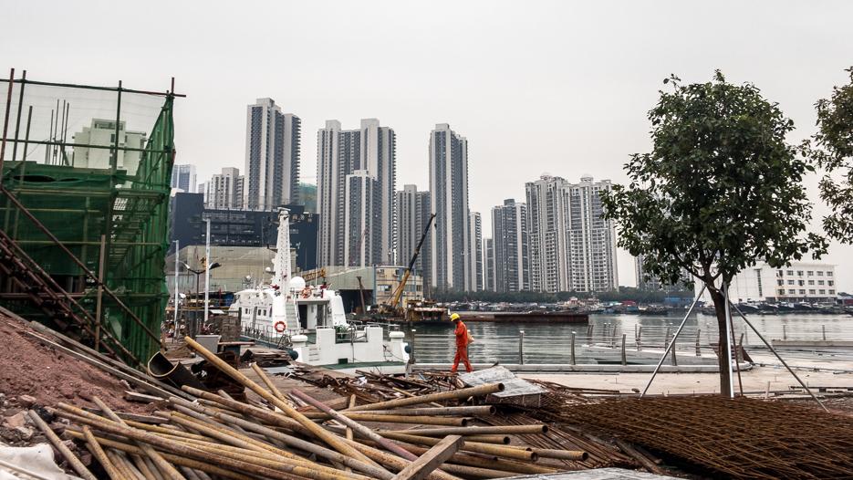 shenzhen baustellen hochhäuser meer hong kong