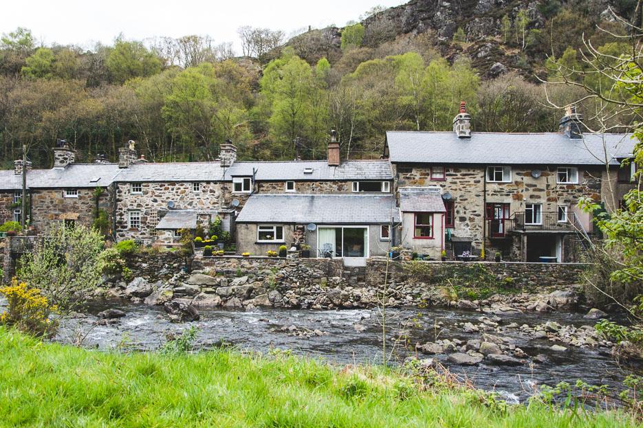 Beddgelert Steinhäuser Dorf Snowdonia Wandern