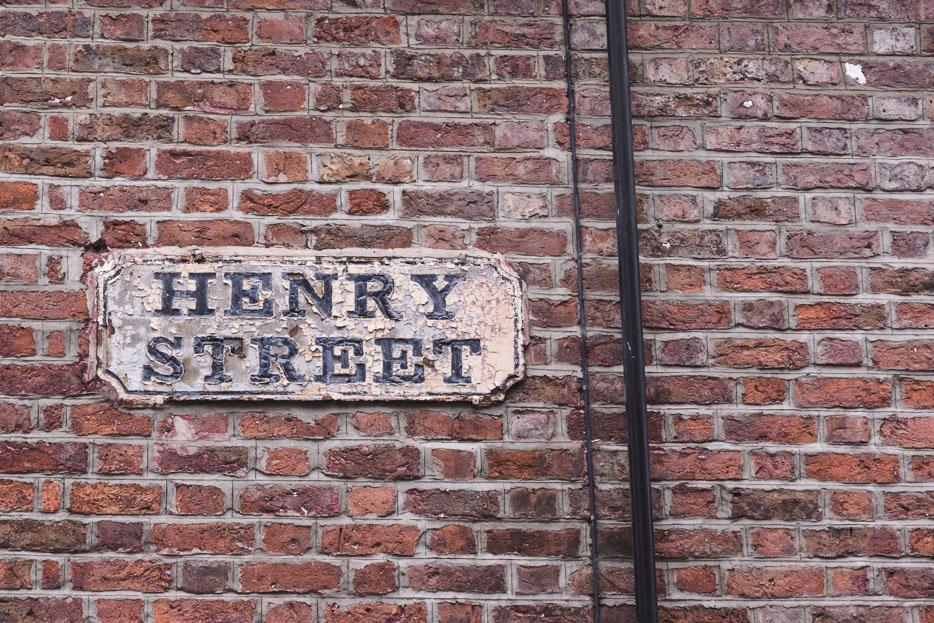 Liverpool Henry Street Schild
