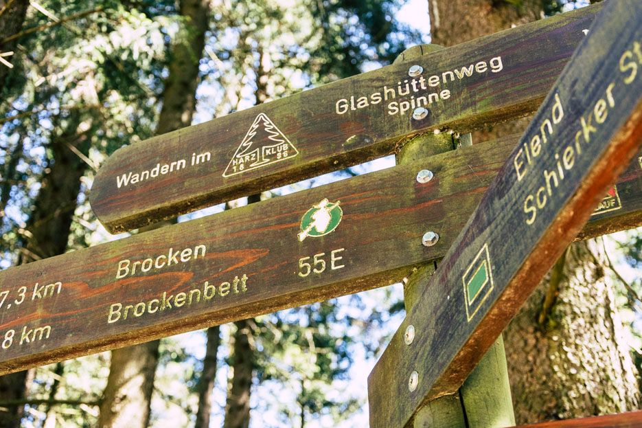 Wegweiser Harz Wandern Brocken