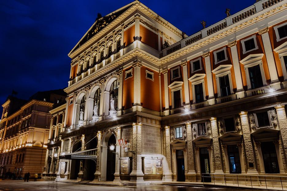 Wien Nachtaufnahme Musikverein Karlskirche Sehenswürdigkeiten
