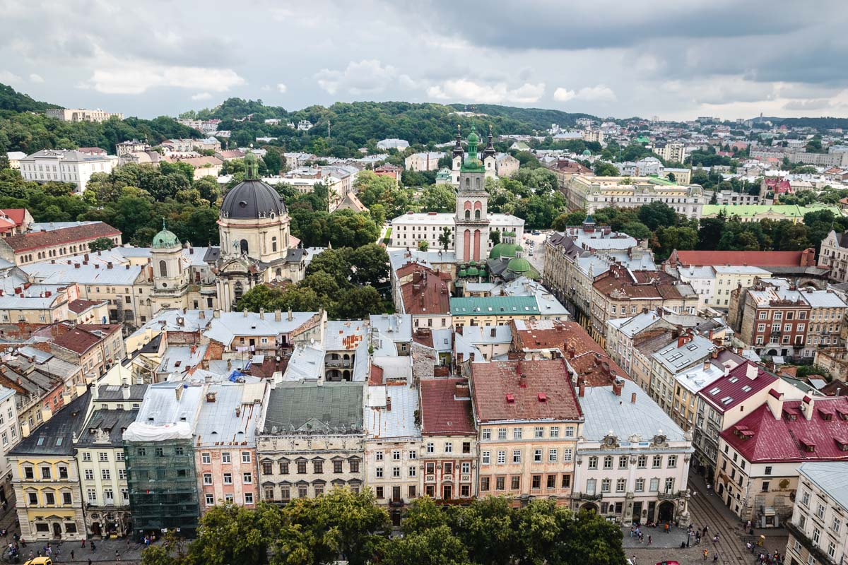 lviv lemberg aussicht rynok rathaus