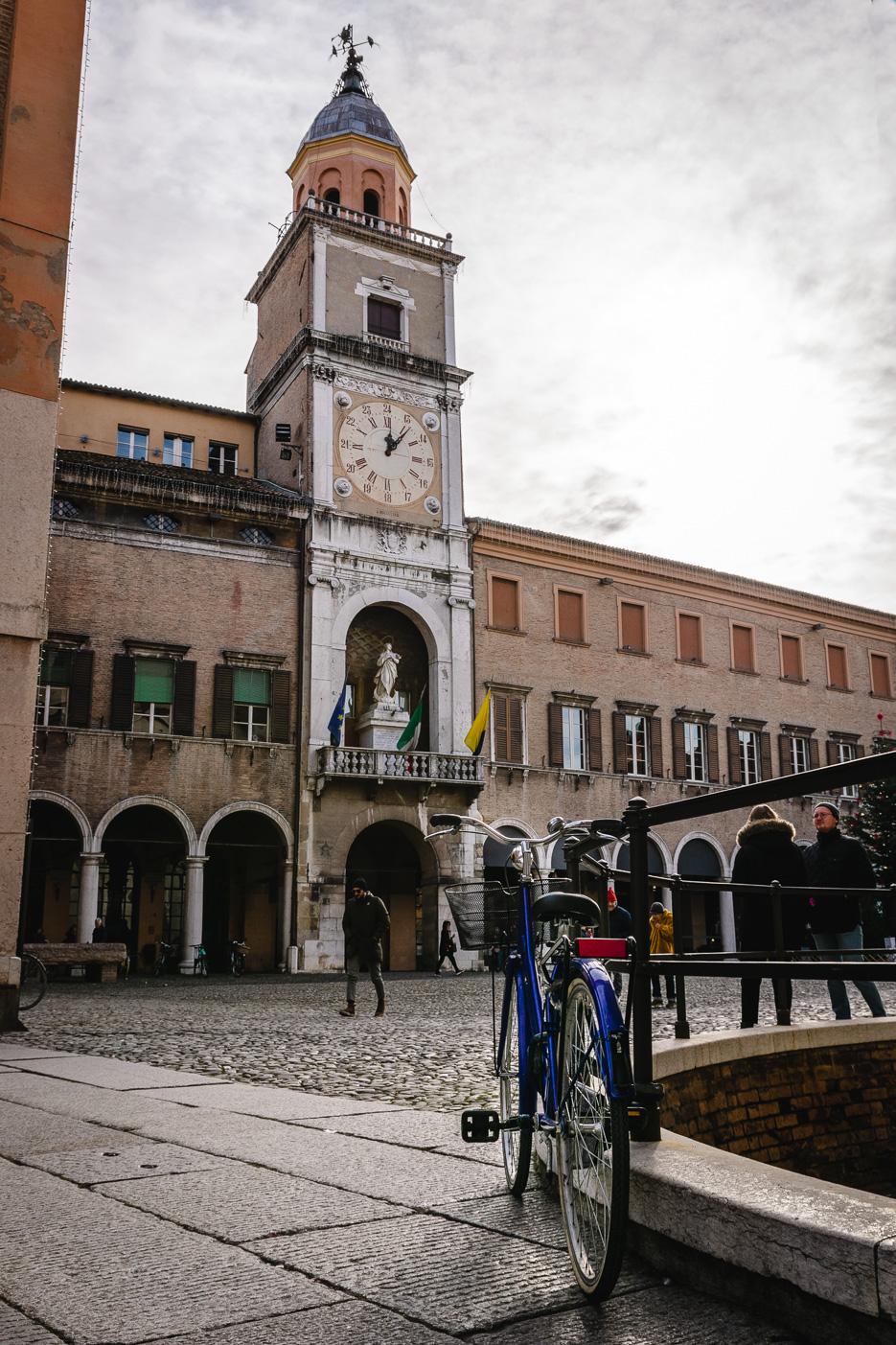 modena italien rathaus piazza grande