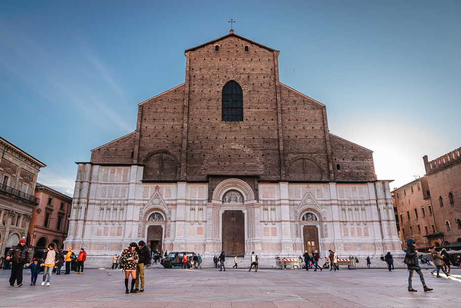 Bologna Sehenswürdigkeiten Kathedrale Kirche Basilika Basilica Italien