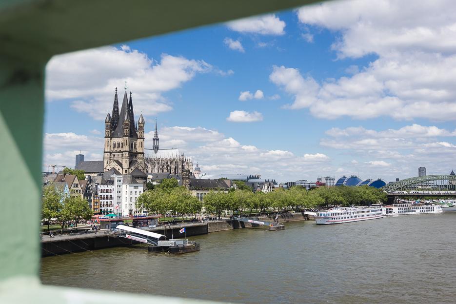 Köln blick deutzer brücke