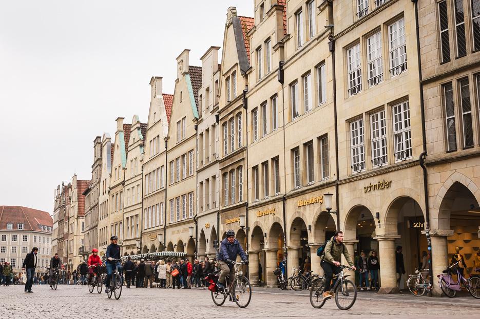 Münster Prinzipalmarkt Fahrradfahrer Altstadt Tipps Sehenswürdigkeiten